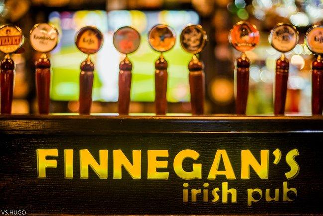 Ирландский паб Финнеганс: Прямая трансляция