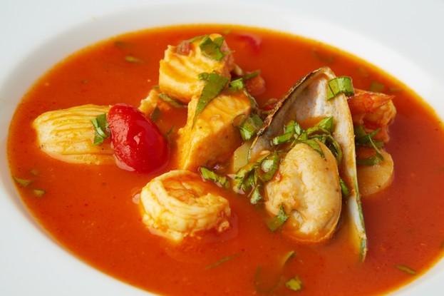 Ресторан «Апрель Cafe», Санкт-Петербург: Томатный суп с морепродуктами