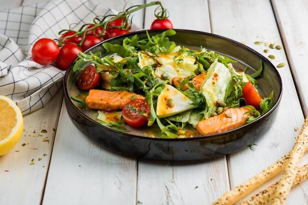 Ресторан «Корюшка», Санкт-Петербург: Теплый салат с лососем
