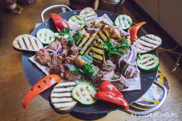 Ресторан «Пхали хинкали», Санкт-Петербург: Ассорти из шашлыков