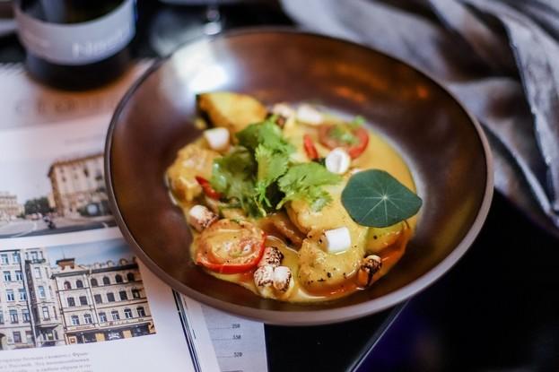 Ресторан «Clouds», Санкт-Петербург: Акула в кокосовом соусе с обожженным маршмеллоу