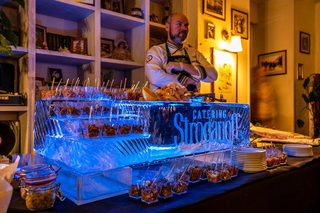 Stroganoff Catering: «Строганина из сибирских рыб» на ледяной подставке