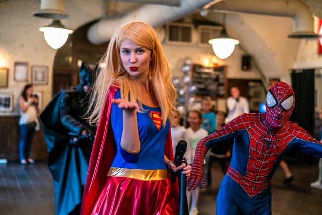 Stroganoff Bar & Grill: Супергеройская вечеринка