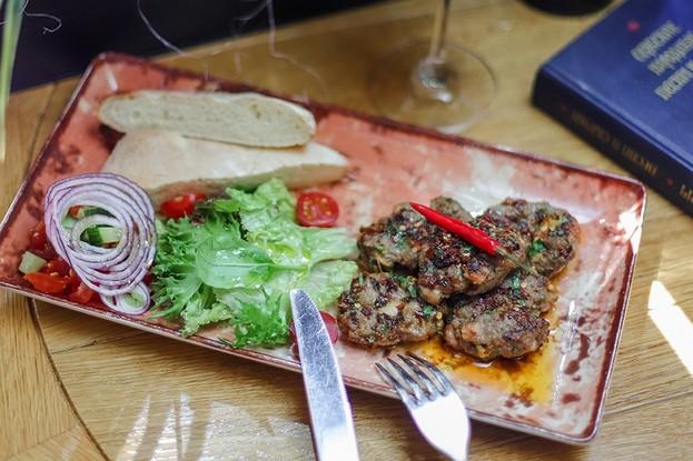 Ресторан «Serbish meat fish», Санкт-Петербург: Лесковачки уштипак