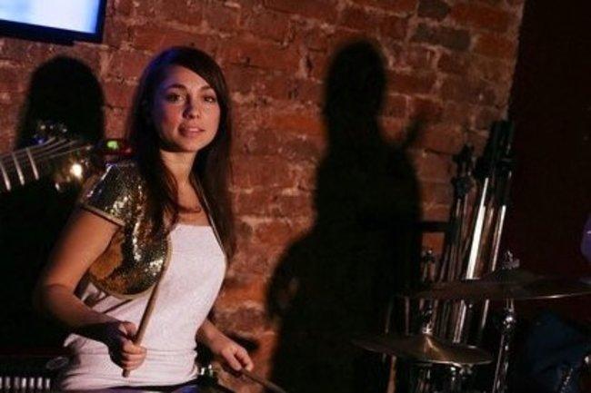 Этобар: Джаз, девушка и барабаны